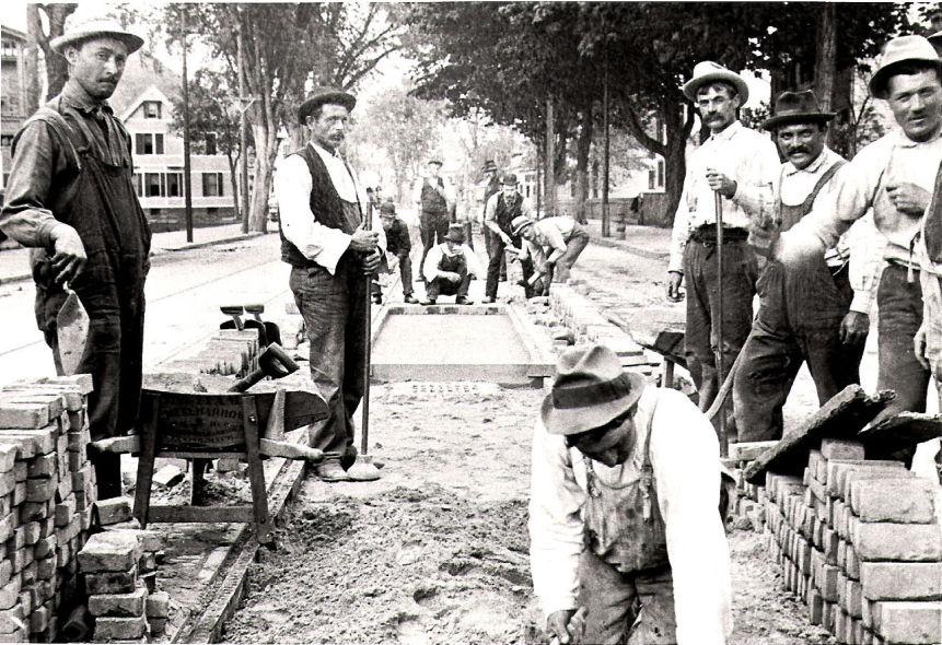Stranieri al lavoro: immigrati italiani in America.