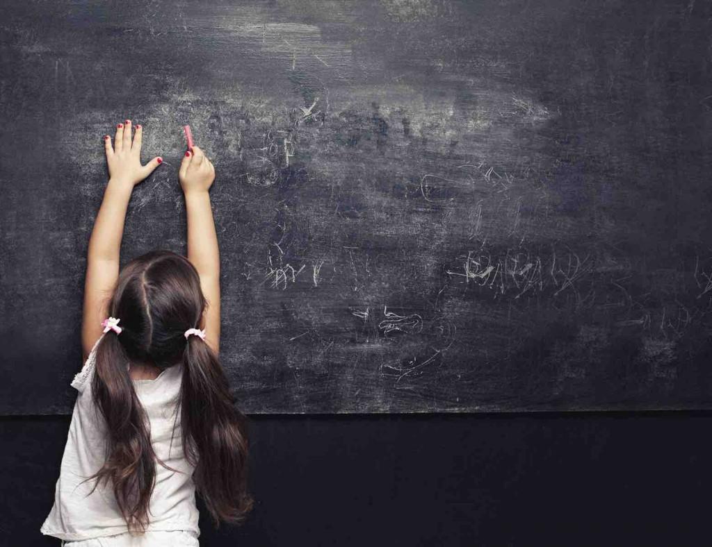 Andare a scuola non basta più alla formazione