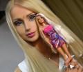 Valeria Lukyanova, la donna Barbie: chirurgia estetica per essere uguale alla bambola di Mattel