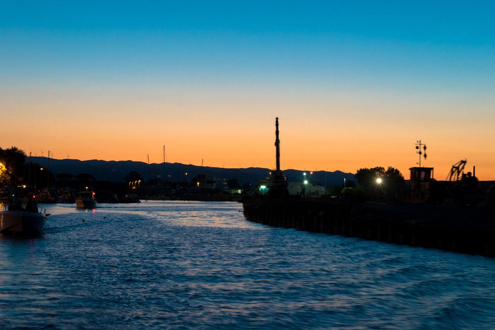 """""""Ore 5.00, fuori dal porto"""" di Osvaldo Danzi. Immagini a ®libero. La vita si condivide con tutti."""