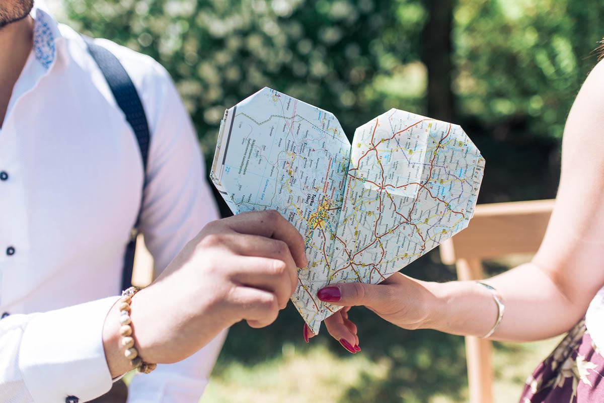 Cupido tira frecce al turismo