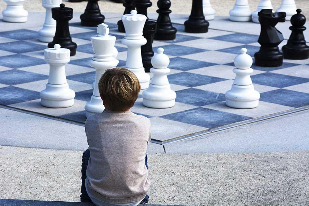 Confronto e controllo: giudicarsi al tempo dei social