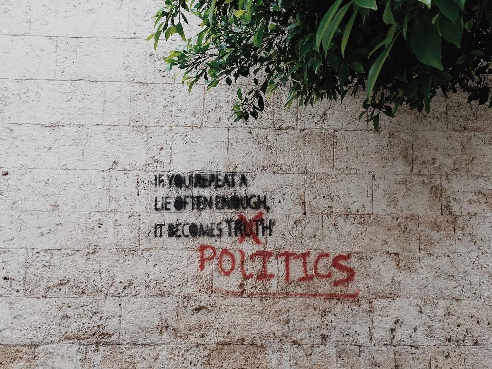 L'aria viziata della politica romana