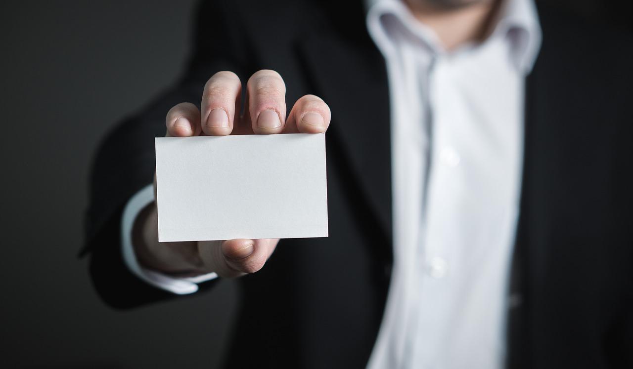 presentazione al primo cliente: biglietto da visita