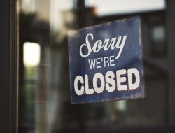 negozi storici chiusi: sorry, we're closed