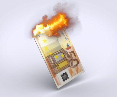 multa a gestori telecomunicazioni: soldi (dei clienti) in fiamme