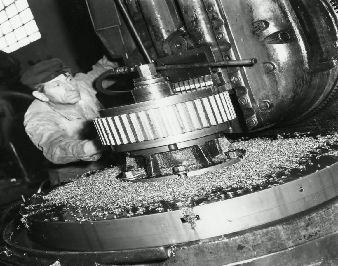 Foto da Fondazione ISEC: un lavoratore della Breda