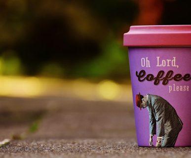 """""""caffè, per favore"""": frase da Blue Monday"""