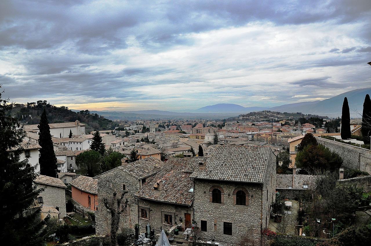 vista su Spoleto, città dell'Umbria