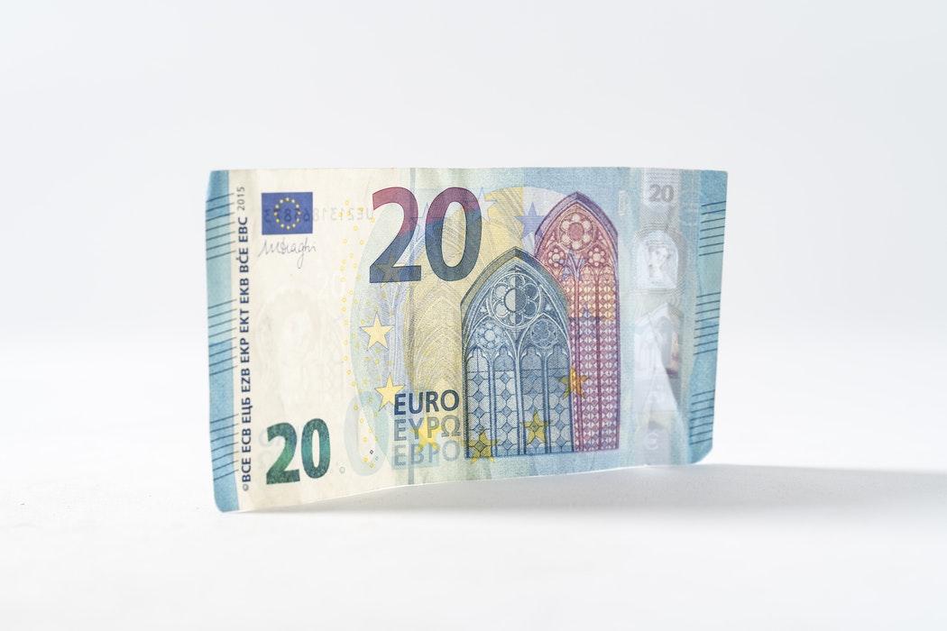 Perché l'Italia è low salary