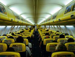 interno di un aereo Ryanair
