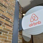 logo di Airbnb, campione della gig economy