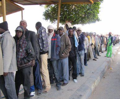 Razzismo: un'interminabile fila di migranti