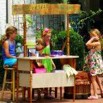 Sales americane fin dalla tenera età: un chiosco per la limonata
