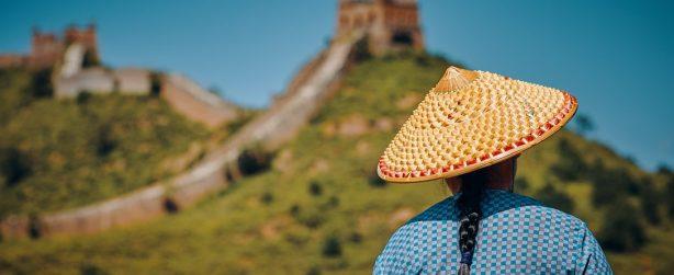 La Grande Muraglia cinese, con un cinese.