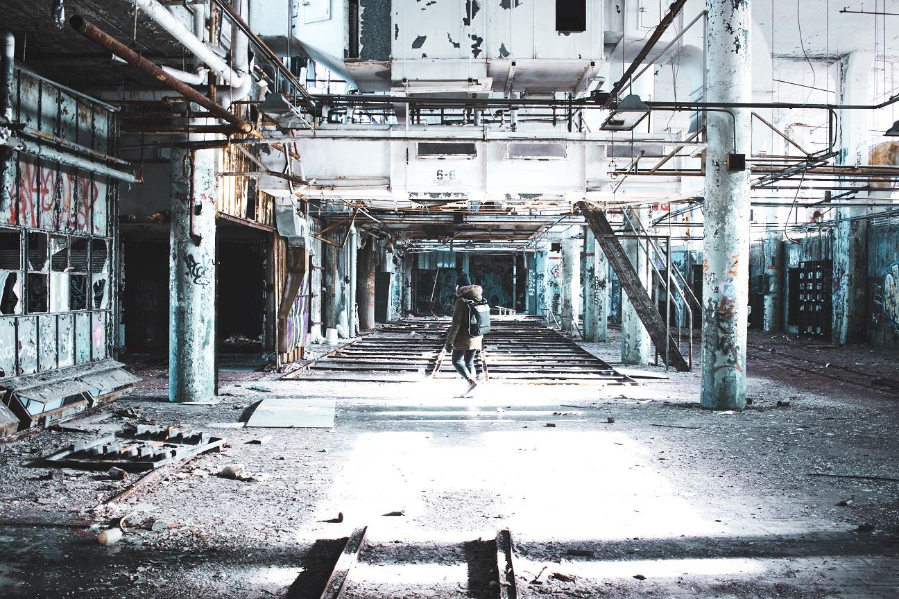Un centro commerciale in rovina: apocalisse del retail