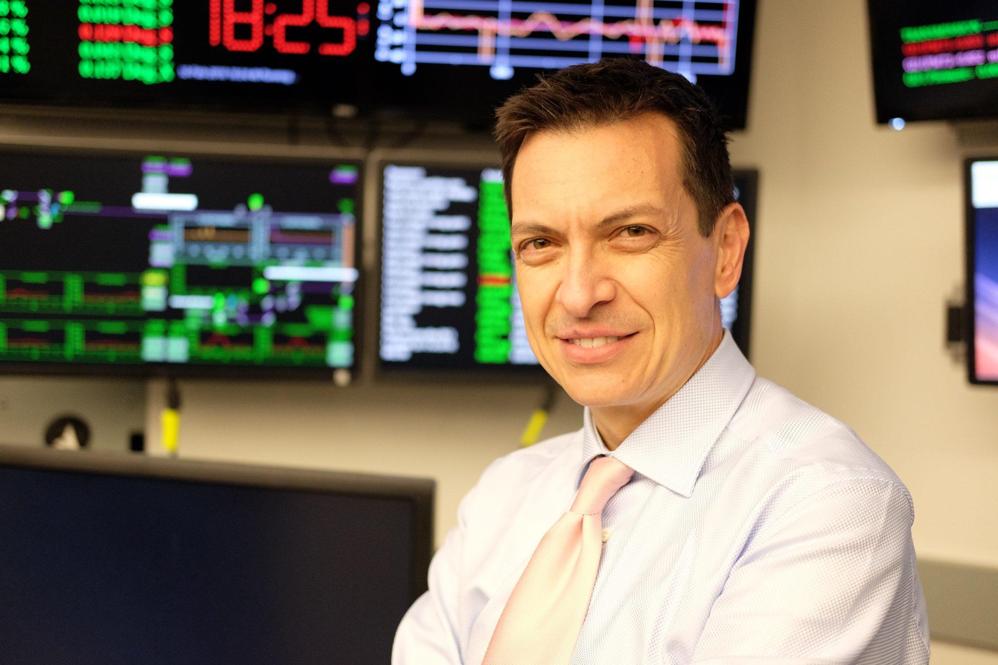 Enzo Carrone, ricercatore e corrispondente per Senza Filtro dalla Silicon Valley.