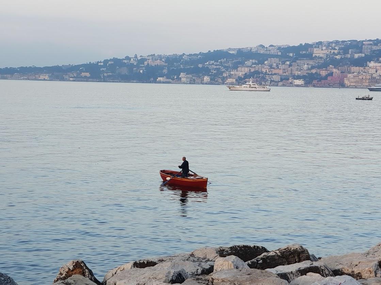 Un pescatore nel golfo, uno dei frammenti di Napoli