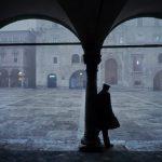 Piazza del Popolo ad Ascoli, sotto la pioggia: simbolo di un territorio tradito dalle multinazionali