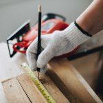 Misurazione del legno pre lavorazione.