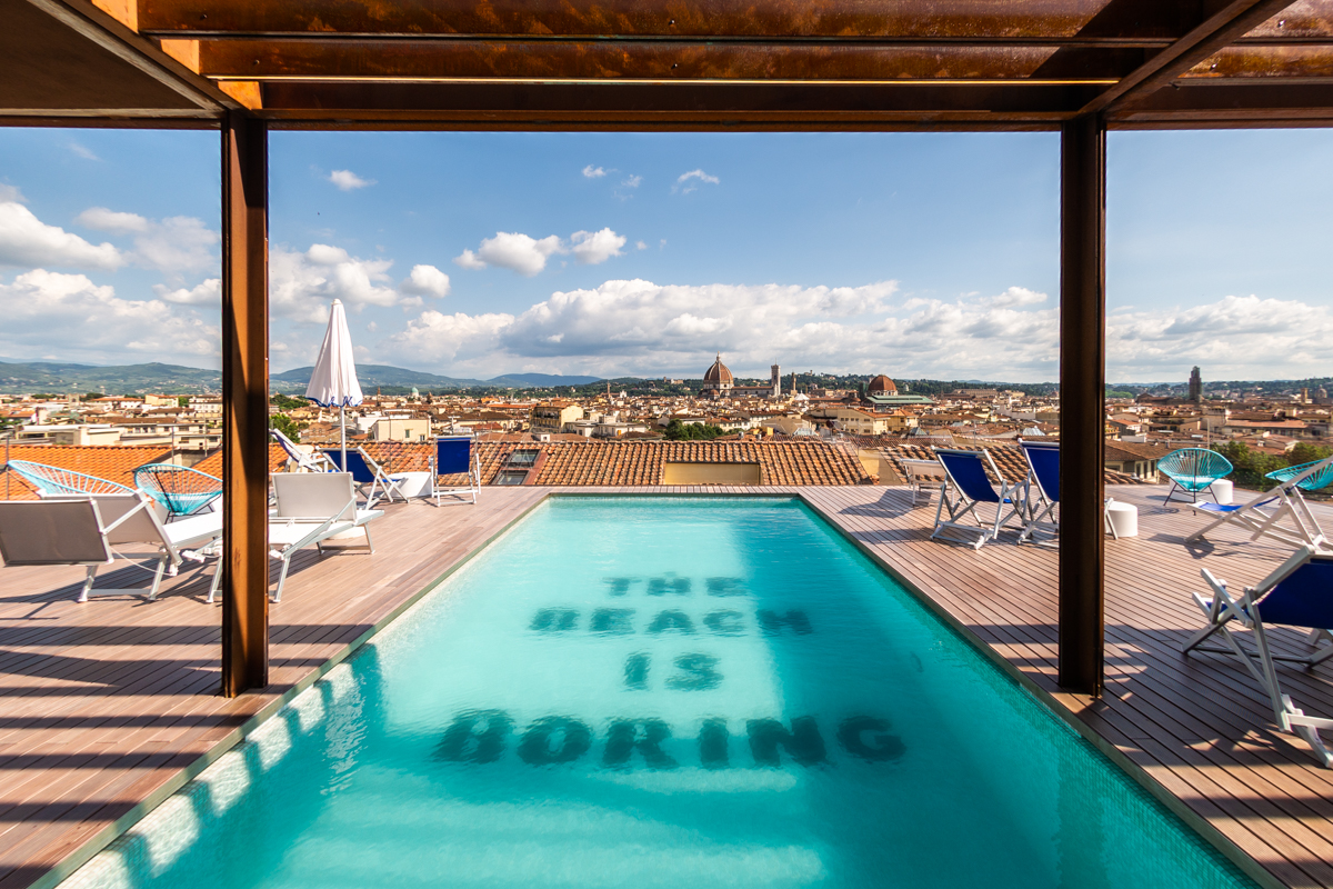 Esempio per eccellenza del turismo in Toscana: una psicina con vista su Firenze
