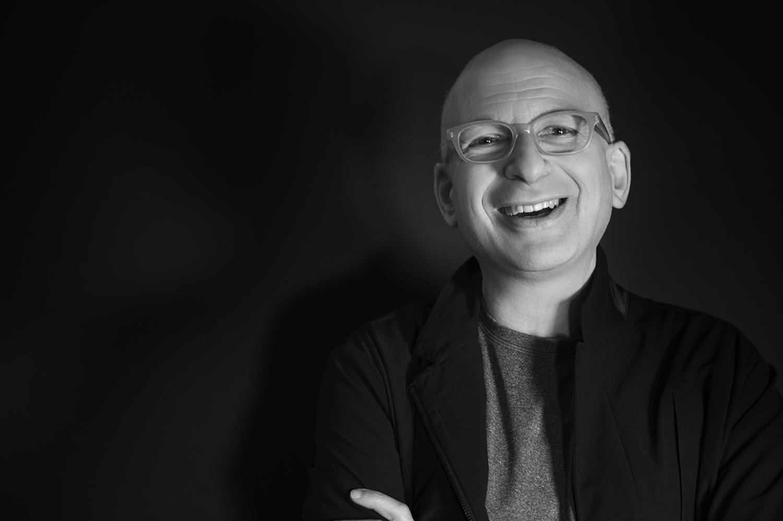 Seth Godin, guru del marketing che nel suo ultimo libro sembra aver ritratto il manager pugliese tipo.