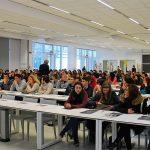Un open day del Politecnico di Lecco con diversi studenti