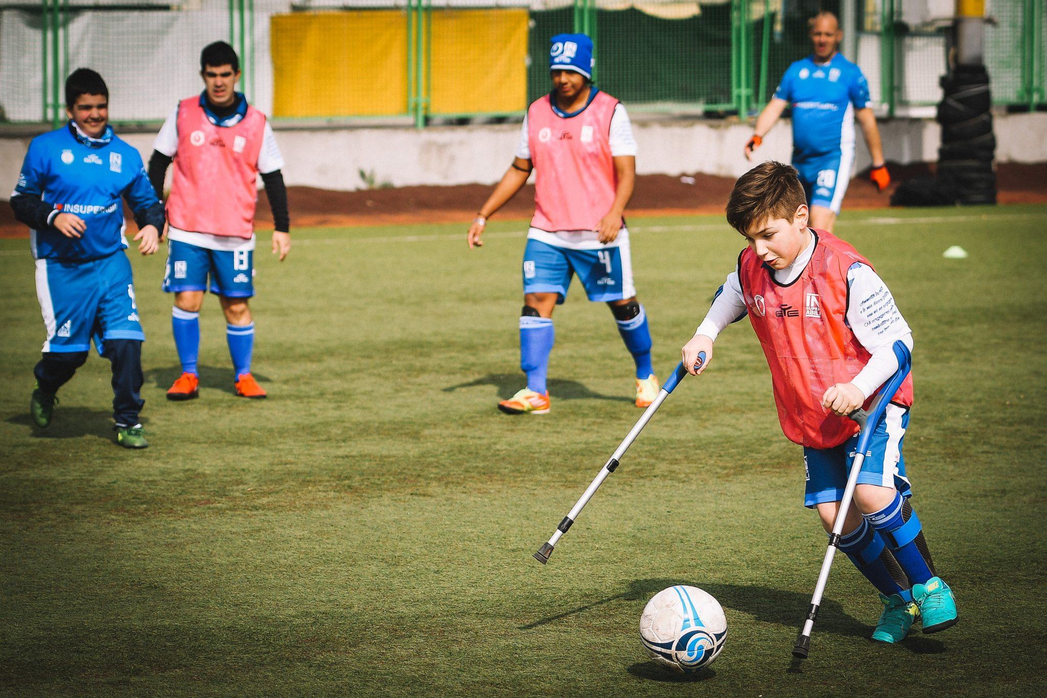 Un giovane disabile, membro della squadra degli Insuperabili