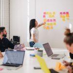 Una lista di parole da non dire in una riunione aziendale