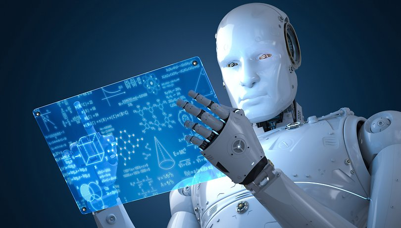 Editoria e intelligenza artificiale: un automa consulta uno schermo digitale