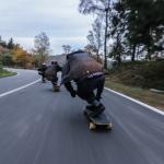 """Ragazzi in corsa su skateboard: """"perché no?"""""""