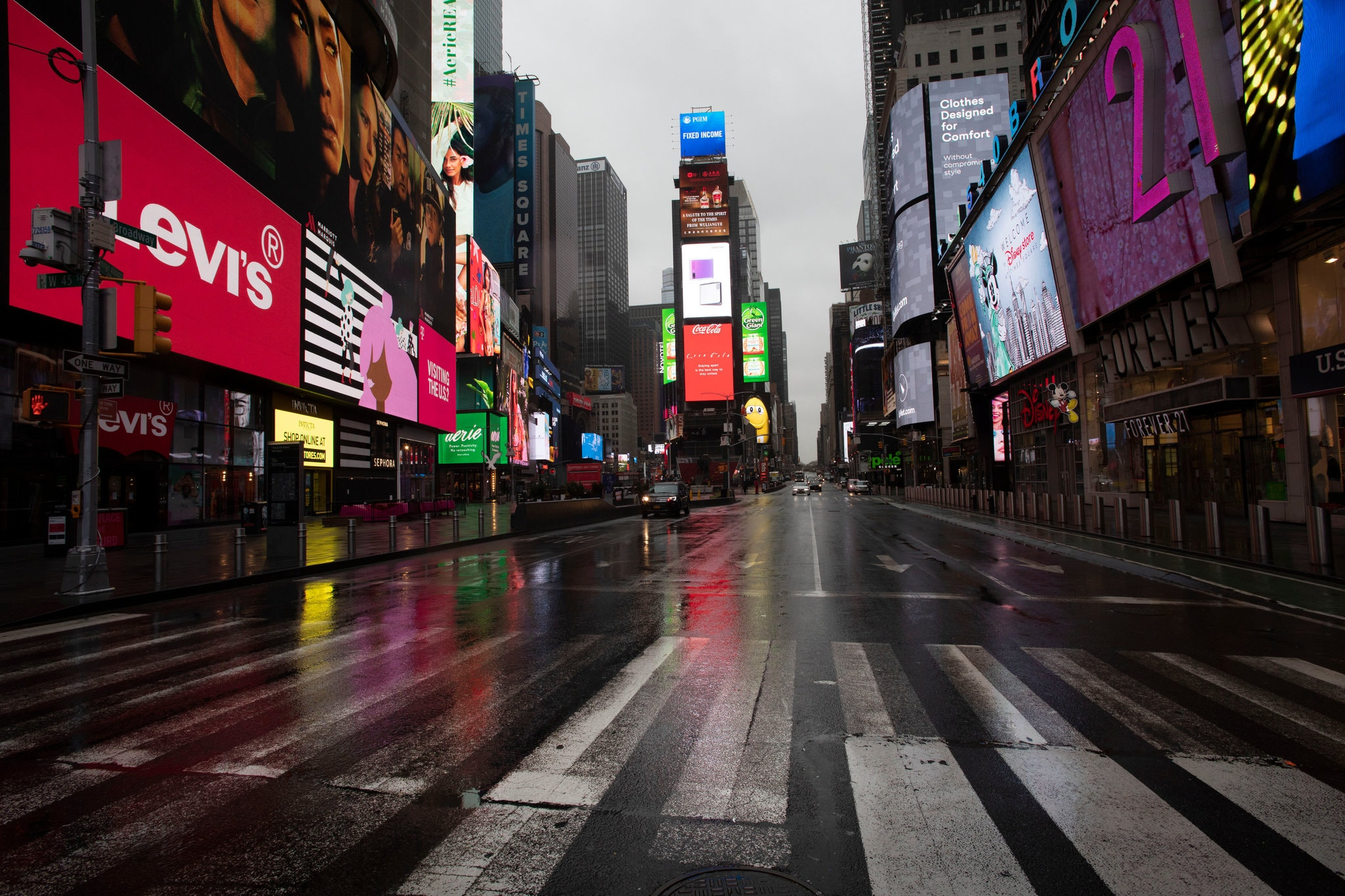 New York, le strade deserte a causa del virus cinese.