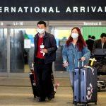 Il protocollo della Cina contro il coronavirus: controlli serrati agli aeroporti e dotazioni di guanti e mascherine