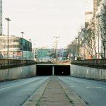 Calo dell'inquinamento: una città deserta e priva di traffico a causa del coronavirus