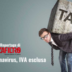 La copertina del reportage sulle partite Iva di Senza Filtro: Coronavirus, Iva esclusa. Nell'immagine, un lavoratore schiacciato dal macigno delle tasse.