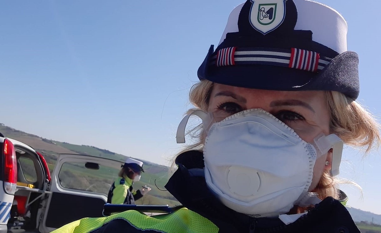 Milena Orlandi, della Polizia Locale di Terre Roveresche: le Forze dell'Ordine sono costrette a una lavoro fuori dal normale per contrastare il COVID-19.