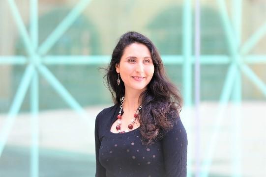 La semiologa Mariem Guellouz, intervistata da Senza Filtro sul funzionamento nascosto di LinkedIn.