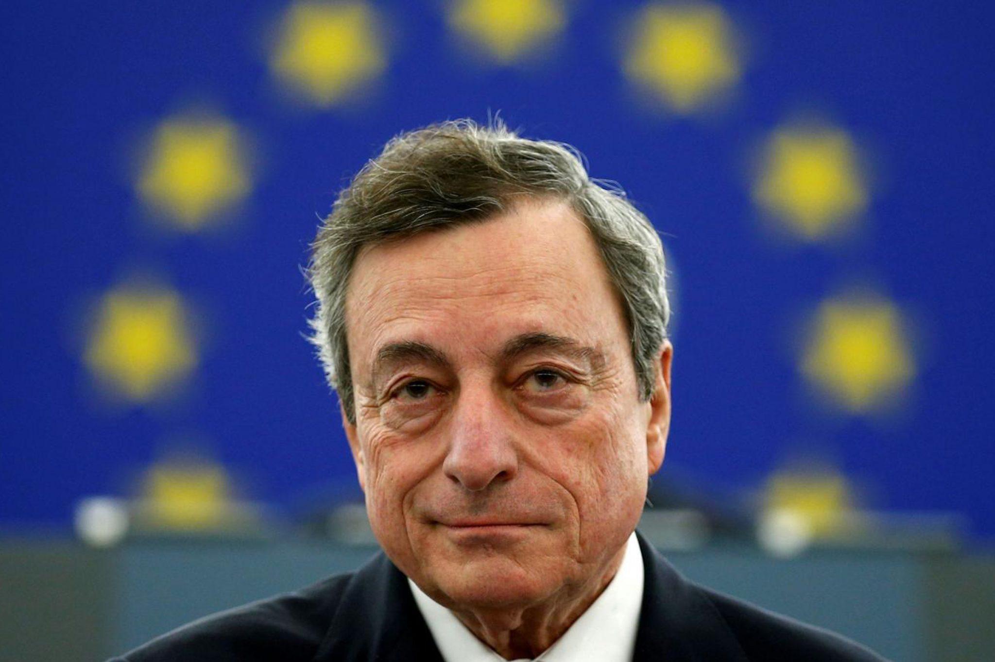 Mario Draghi, danke schön. La Corte tedesca fa i conti in tasca all'UE