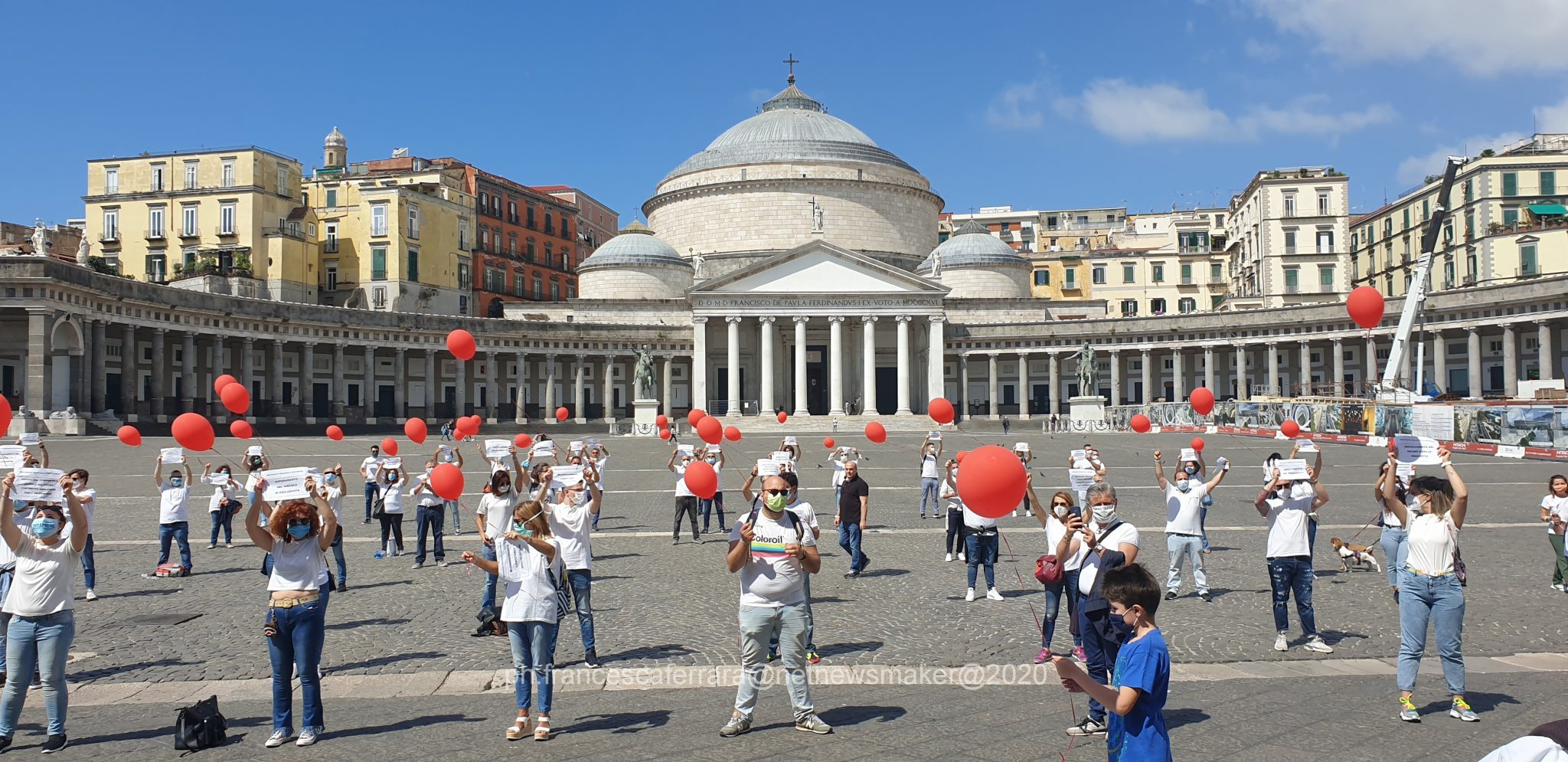 """Infermieri in piazza: """"Non siamo eroi, siamo precari"""""""