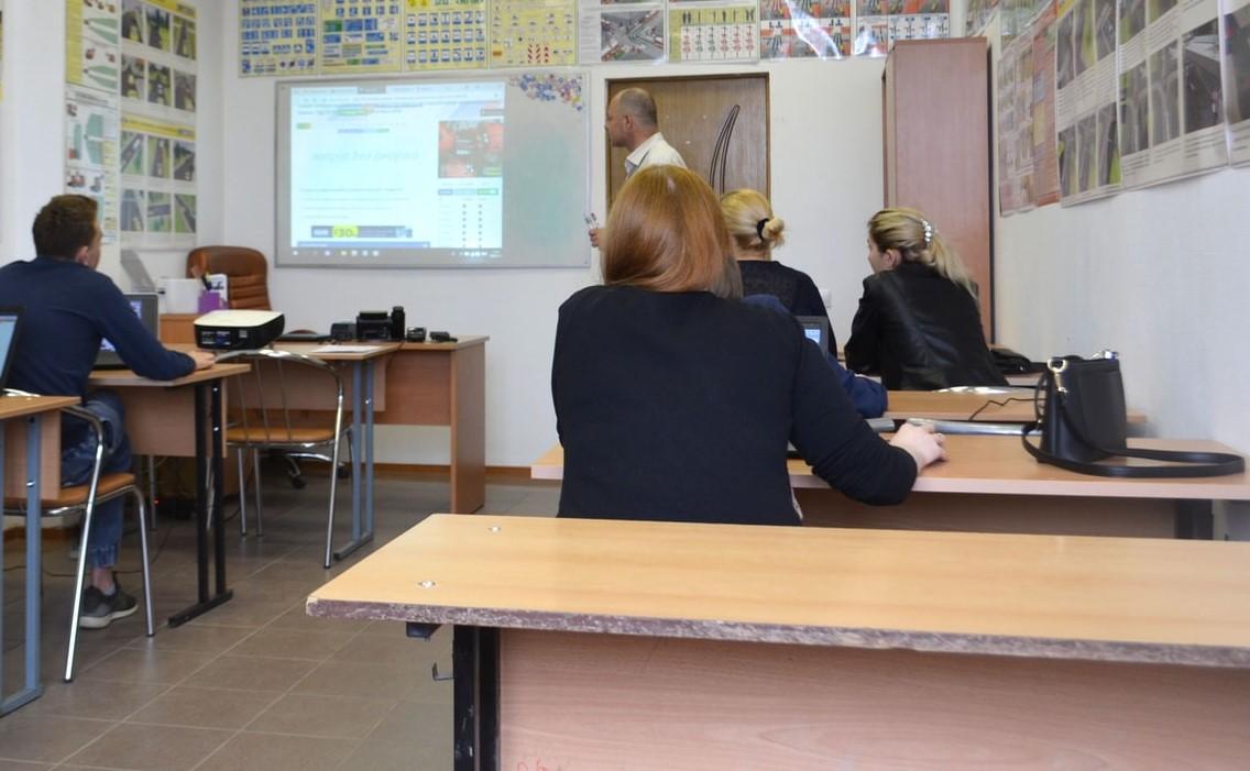 I diplomifici della scuola privata: docenti a 7,5 euro l'ora