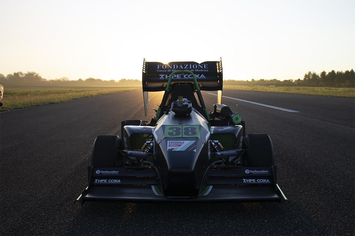 Il veicolo Formula Student realizzato dall'Università di Modena e Reggio Emilia.
