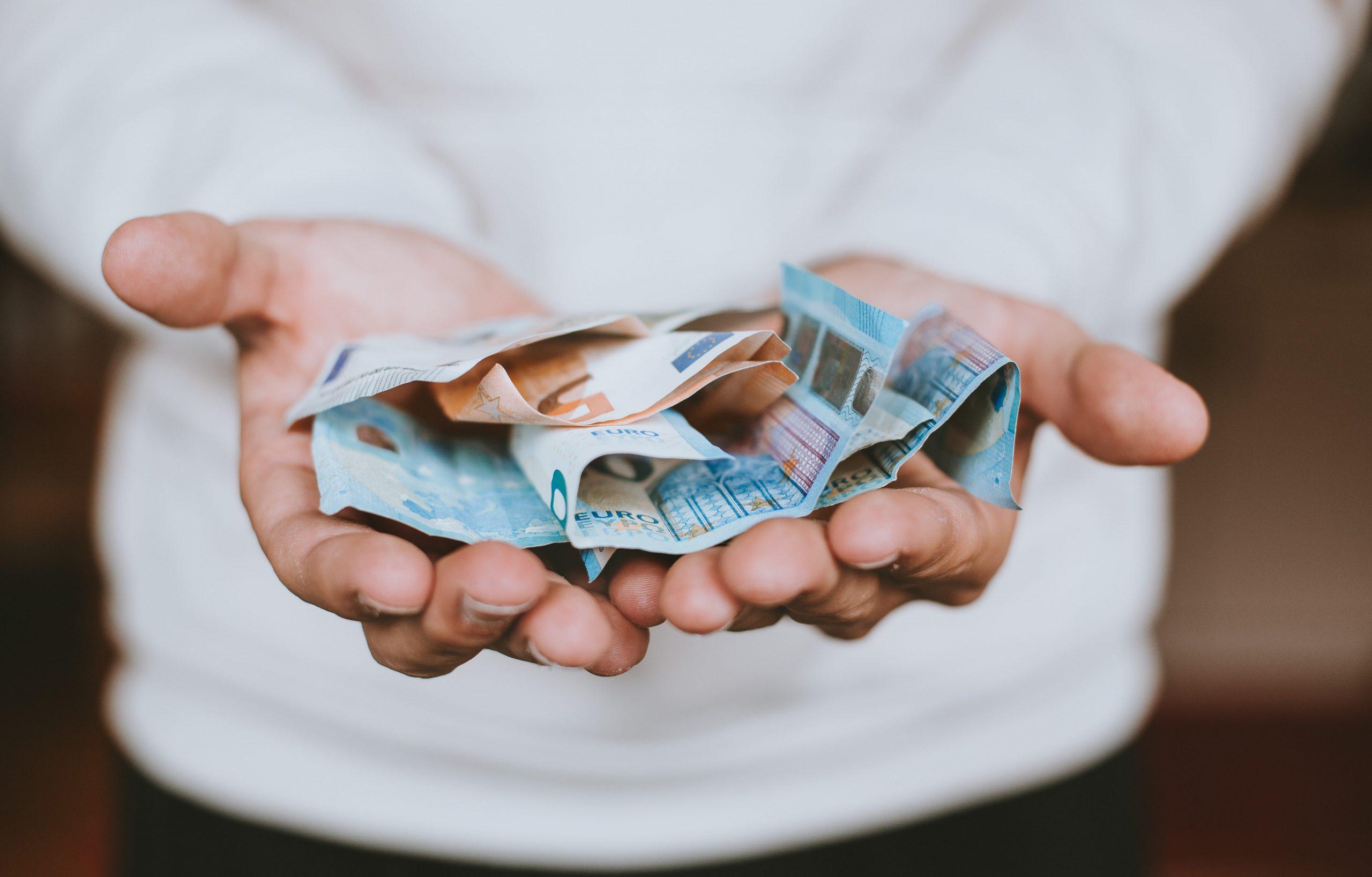 Formazione dei burocrati: lo Stato investe ogni anno solo 49 € a testa