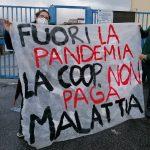 Educatori pagati poco, o per nulla: gli educatori della cooperativa Roma 81 manifestano per ottenere il pagamento dei giorni di malattia.
