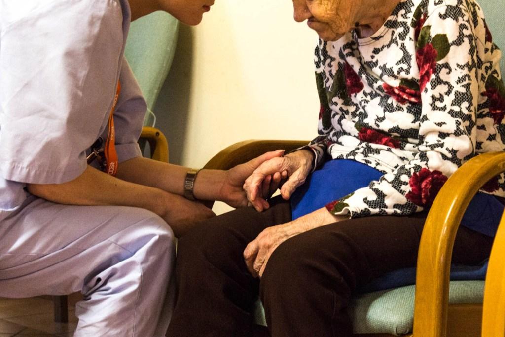 Il Ministero della Salute non sa niente delle strutture per anziani: non esistono solo  RSA