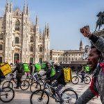 I rider in protesta a Milano