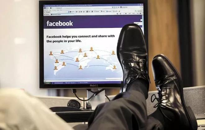 I dipendenti e il rischio di parlare sui social: il diritto di critica è un lusso da Ferragnez?