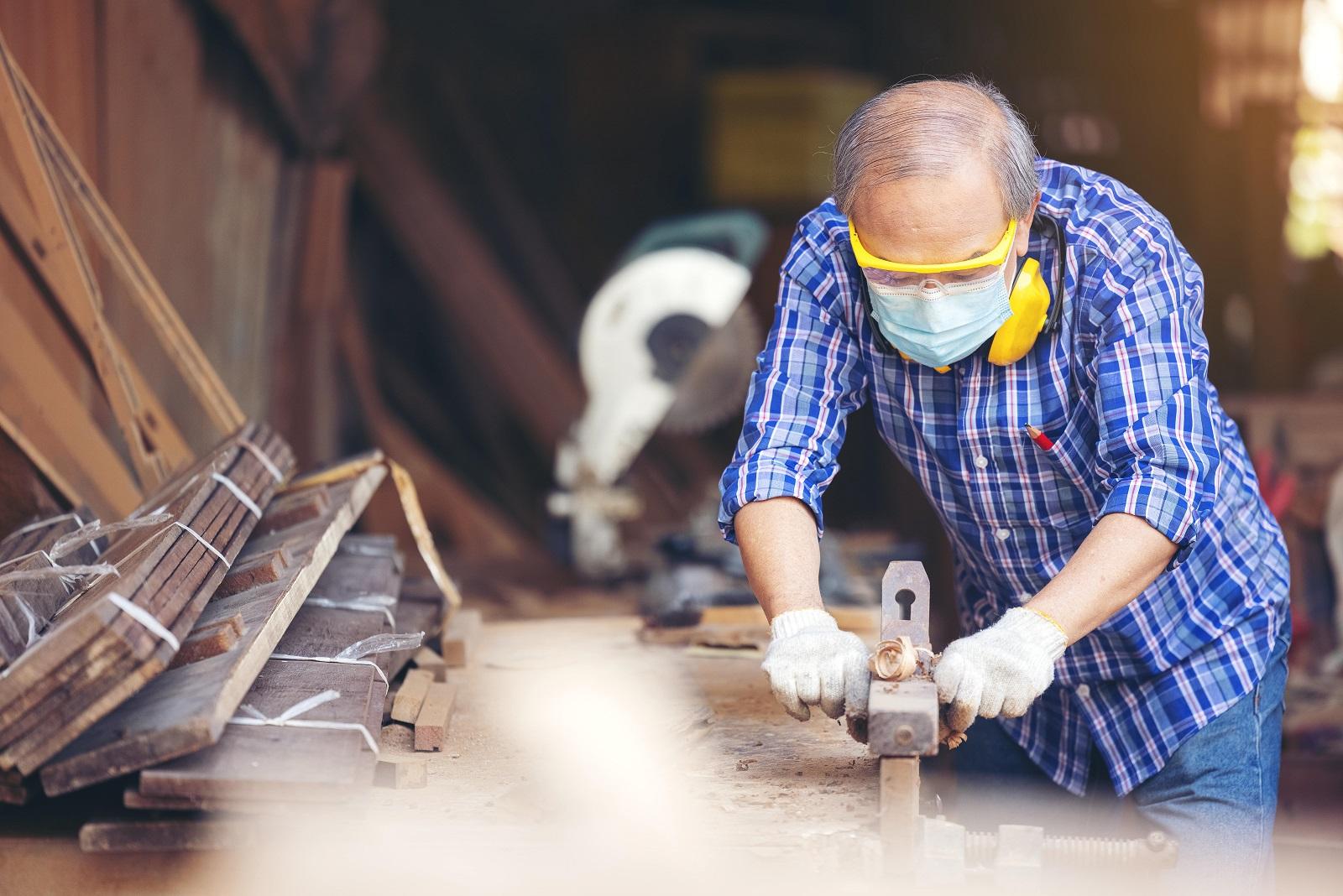 Riforma pensioni, dal PNRR sparisce il riferimento ai lavori usuranti. Alla politica non interessa?