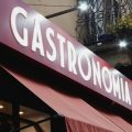 Gastronomi e gastronomie: l'insegna di un'impresa del settore.