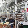 Delle lavoratrici nello stabilimento Caffarel di Luserna San Giovanni, in provincia di Torino.