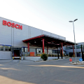 Automotive in Puglia: l'esterno dello stabilimento Bosch di Bari